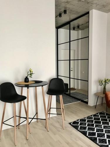 Sludinājumi. Tiek izīrēts 2-ist. dzīvoklis Vecrīgā. - Jauns dzīvoklis, pilnībā mēbelēts - Augstie griesti (3m), Cena: 500 EUR/mēn Foto #5