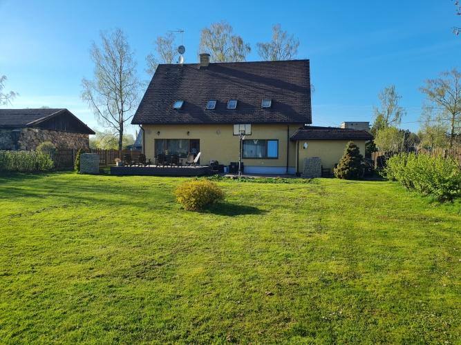 Sludinājumi. Tiek pārdota plaša ģimenes māja Siguldā.  280 m2 plaša divstāvu māja ir ideāla ģimenes māja. Mājai Cena: 280000 EUR Foto #6