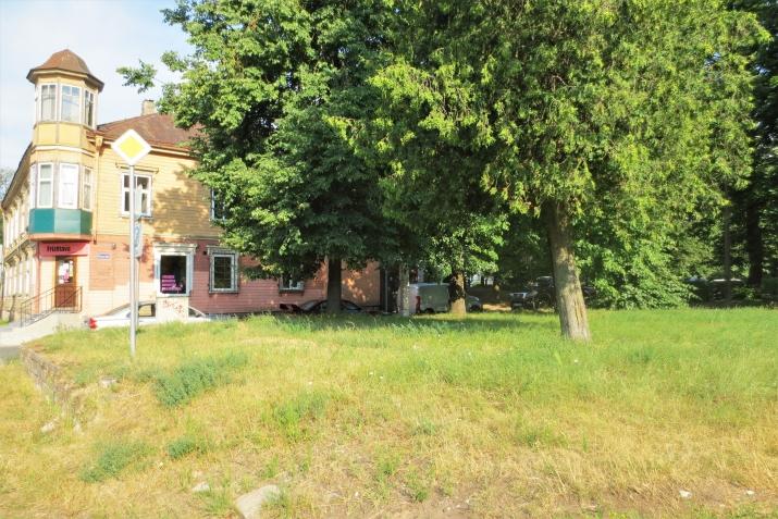 Sludinājumi. Pārdod fasādes zemes gabalu Juglā  Platība: 906m  Ir atļauts būvēt māju līdz 5 stāviem.  Visas Cena: 91000 EUR Foto #2