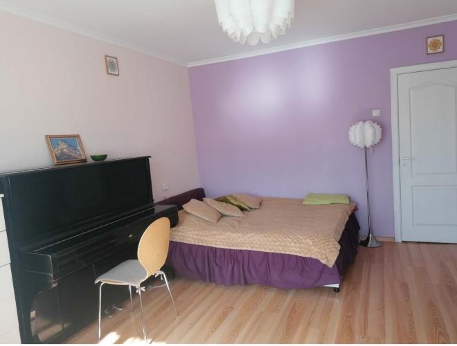 Объявление. Продаётся уютная, светлая двухкомнатная квартира с балконом. + Две изолированные комнаты; + Санузел Цена: 64000 EUR Foto #3