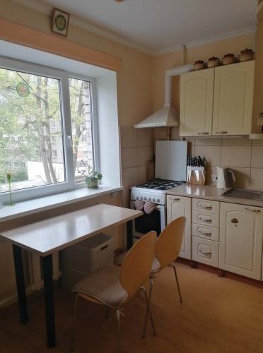 Объявление. Продаётся уютная, светлая двухкомнатная квартира с балконом. + Две изолированные комнаты; + Санузел Цена: 64000 EUR Foto #4