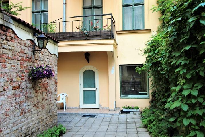 Sludinājumi. Piedāvājumā telpas ar atsevišķu ieeju un privātu pagalmu ar vārtiem. Telpas atrodas netālu no Līvu Cena: 94000 EUR Foto #3