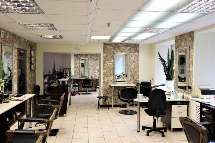 Sludinājumi. Piedāvājumā telpas ar atsevišķu ieeju un privātu pagalmu ar vārtiem. Telpas atrodas netālu no Līvu Cena: 94000 EUR Foto #4
