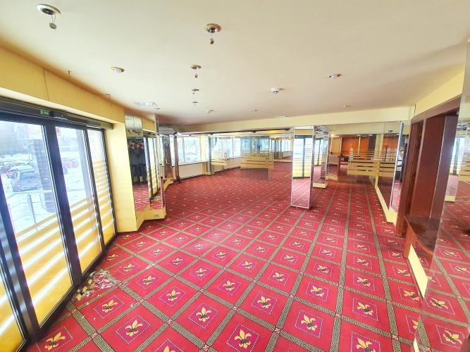 Sludinājumi. Piedāvājam nomāt bijušās \'Fenikss\' telpas - Zolitūdē!  + Kopējā platība 203,7 m2; + 3 fasādes Cena: 1600 EUR/mēn Foto #3