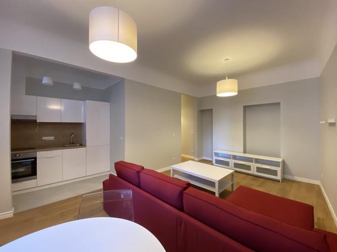 Sludinājumi. Mēbelēts 2 istabu īres dzīvoklis Kr. Barona ielā 76.  Dzīvoklis ir ar iebūvētu virtuves iekārtu, Cena: 570 EUR/mēn Foto #1