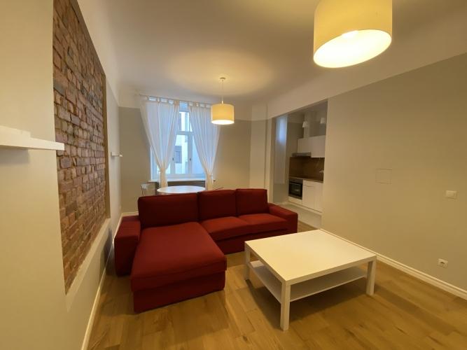 Sludinājumi. Mēbelēts 2 istabu īres dzīvoklis Kr. Barona ielā 76.  Dzīvoklis ir ar iebūvētu virtuves iekārtu, Cena: 570 EUR/mēn Foto #3