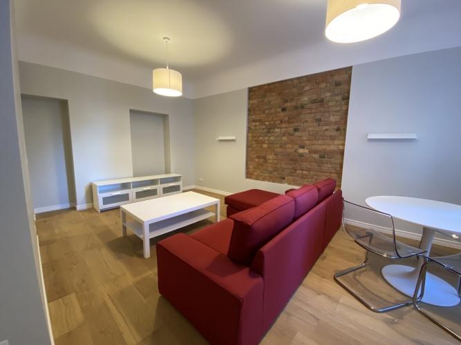Sludinājumi. Mēbelēts 2 istabu īres dzīvoklis Kr. Barona ielā 76.  Dzīvoklis ir ar iebūvētu virtuves iekārtu, Cena: 570 EUR/mēn Foto #4