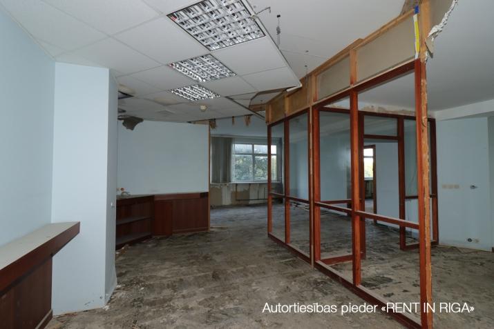 Sludinājumi. Pārdod telpas tirdzniecībai vai biroja, Pļavniekos, Katlakala un Krustpils ielu krustojumā.   + 1. Cena: 175700 EUR Foto #5