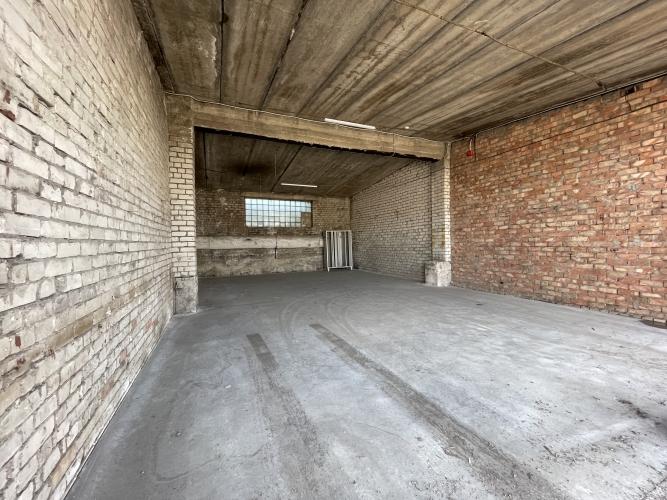 Объявление. Sausas, neapkurinātas noliktavas. Divviru lielie vārti, līdzena betona grīda, griestu augstums Цена: 320 EUR/мес. Foto #4