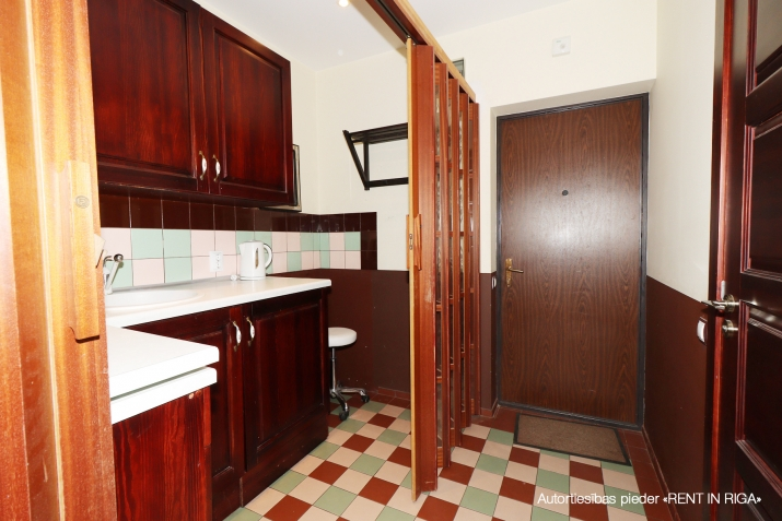 Объявление. Compact one-room apartment in a closed yard on Matīsa iela 59a.  + fully furnished and ready for Цена: 290 EUR/мес. Foto #4