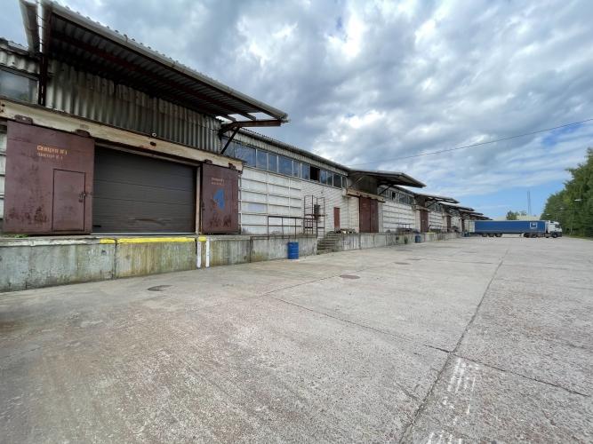 Объявление. Iznomājam neapkurināmas noliktavas ar dzelzceļa rampām.  Apsargājama, asfaltēta teriotrija, Цена: 15000 EUR/мес. Foto #2