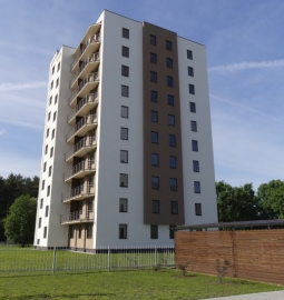 R8 Apartments - Image 1